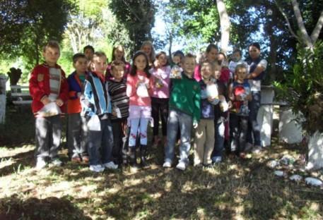 PÁSCOA: Culto Infantil da Comunidade de Conventos - CAÇA AOS NINHOS