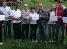 Famílias agricultoras recebem certificado de produção orgânica