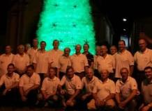 Lelut promove festa de final de ano com familiares