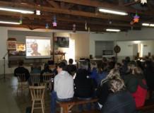 Grupo de jovens discute produção ecológica e alimentação saudável