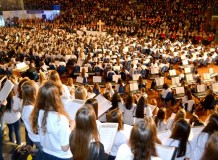 Mais de 2,8 mil pessoas prestigiam celebração do canto e da música