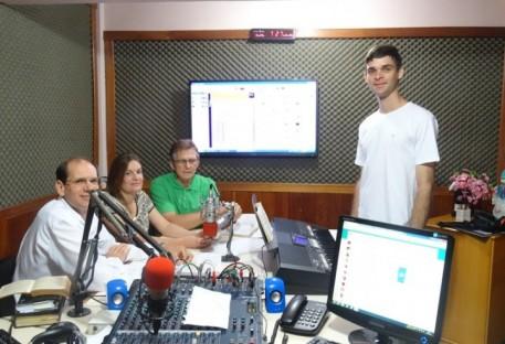 Comunidade de Belém - Paróquia Aliança celebra Culto, apresenta o Programa Semente de Esperança na Rádio Pomerana e faz visitas no Natal.