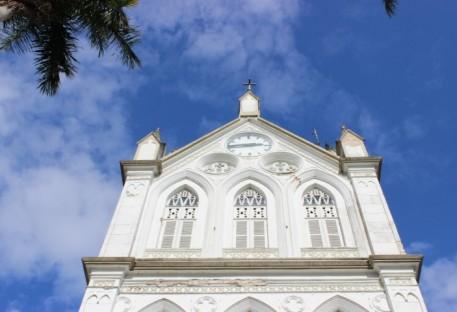 Relógio da igreja de Blumenau Centro volta a marcar a hora corretamente