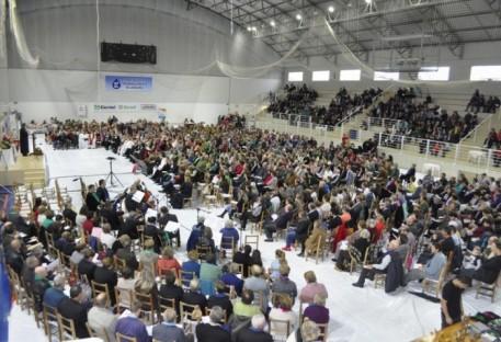 Mais de 1.300 pessoas prestigiam o Dia Sinodal da Igreja