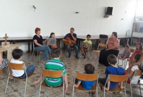 Aprender a fé pelo canto