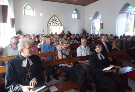Pastor Presidente da IECLB em Culto na Comunidade de Linha General Neto