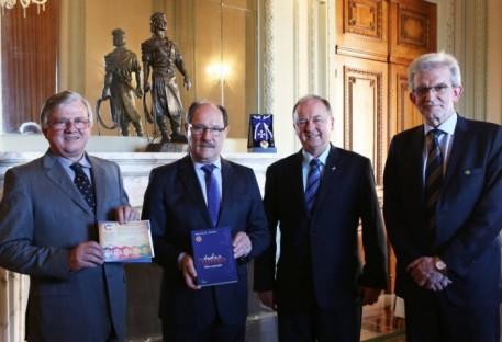 Comissão dos 500 Anos da Reforma Luterana tem audiência com o Governador do RS