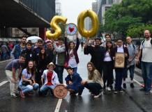 Jovens da União Paroquial São Paulo divulgam 500 anos da Reforma na Avenida Paulista