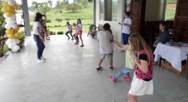 Paróquia de Timbó comemora o Dia das Crianças e os 80 anos da Revista O Amigo das Crianças