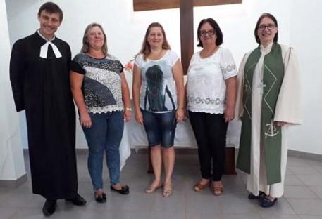 Pastora Sinodal prega na Comunidade em Vale do Lobo