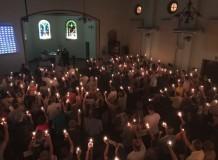 Celebrações com velas levam mais de 1.300 pessoas para igrejas do Vale do Itajaí