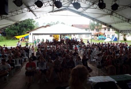 Acampamento de jovens dos sínodos Vale do Itajaí e Norte Catarinense reúne mais de 600 pessoas
