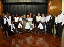 Projeto de Apoio aos Imigrantes auxilia em formação para haitianos