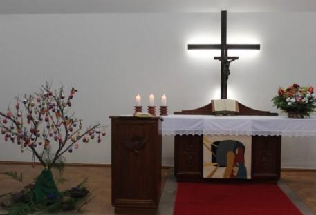 Culto de Páscoa com muita alegria