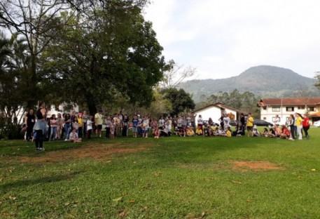 Retiro reúne aproximadamente 100 crianças em Rodeio 12