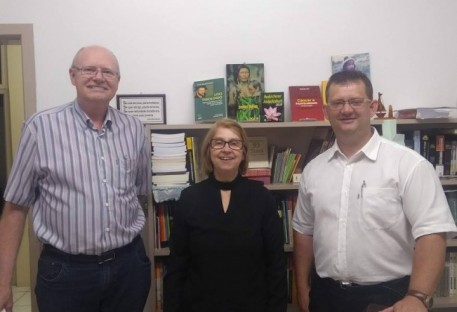 Editora Sinodal recebe Pastora Presidente Silvia Genz