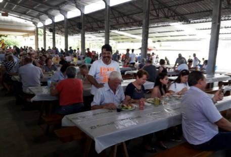 Sínodo Vale do Itajaí realiza almoço em prol da construção da sede sinodal