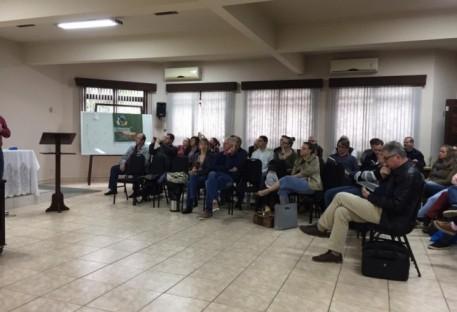 Ministros tematizam aceleração pós-moderna em Atualização Teológica intersinodal