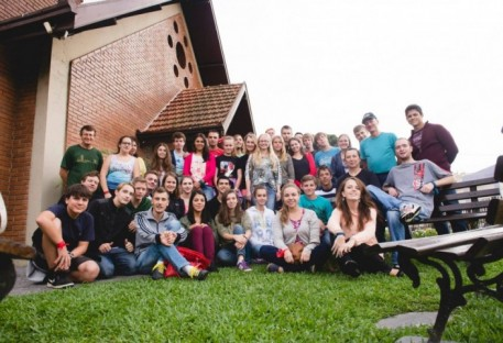 Paróquia Cristo Salvador - Curitiba promove intercâmbio entre grupo de jovens
