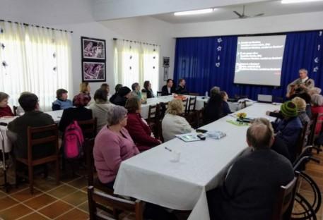 Vale do Itajaí realiza seminário para familiares e pessoas com deficiência