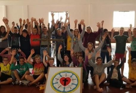 Paroquia de Pato Bragado/ PR promove Retiro para Jovens e Confirmandos