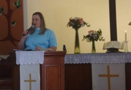 Culto de despedida e benção da Missionária Lucinéia Thomas