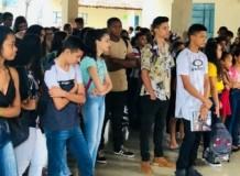 Colégio inicia ano letivo sob a bênção de Deus
