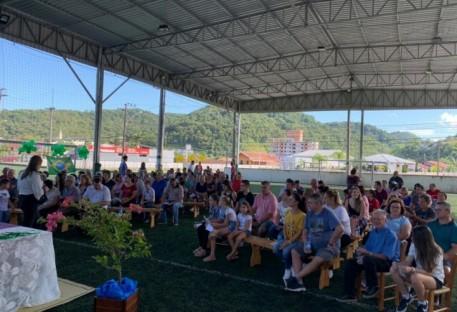 Membros de Brusque Unidos em Cristo experimentam domingo de integração