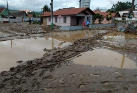 Solidariedade com as vítimas do Alto Vale do Itajaí/SC