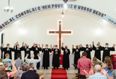 Jeferson Buss é ordenado Pastor