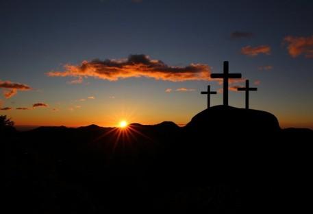 A Páscoa nos enche de esperança e fé