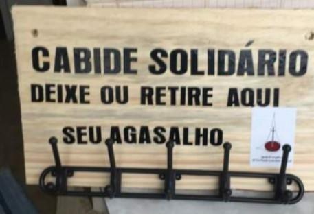Cabide Solidário, uma ação de cuidado