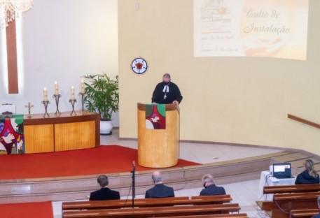 Eloir Carlos Ponath é instalado em Balneário Camboriú