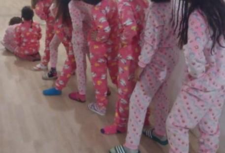 Grupo do Retalho costura pijamas para o Lar Padilha