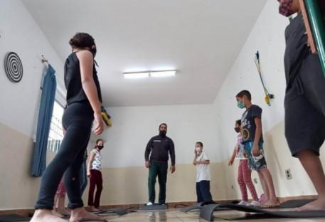 TRE - Auxilia crianças e adolescentes no enfrentamento da pandemia