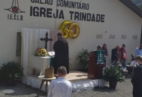 Comunidade Trindade, em Schroeder, celebra 60 anos de templo