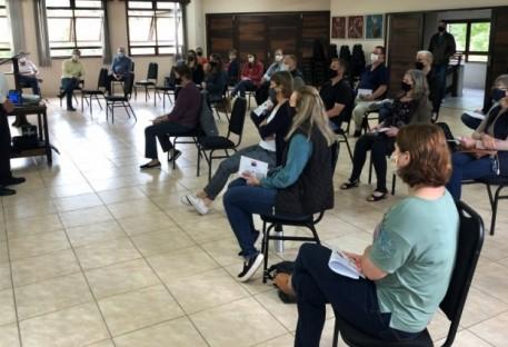 Secretários e secretárias do Vale do Itajaí participam de encontro em Rodeio 12
